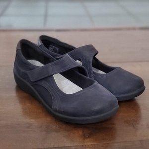 Clarks Women's Sillian Bella Slip On Shoes size 10